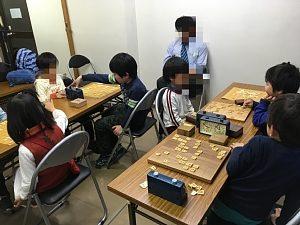 将棋の日 in ITえき塾・大阪西区肥後橋教室の将棋大会の風景
