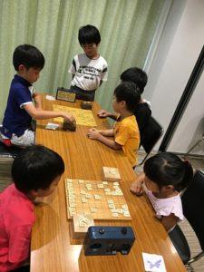 第2回将棋DAYで対局している小学生たちの様子(2018)