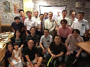 薦田研究室の同窓会。交流会での記念写真