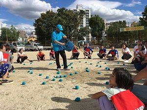 大阪市西区「体育と防災の日」2018で玉入れの集計をしている様子